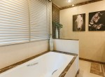 Desirable Two Bedroom Plus Office Condo for Rent in Ekkamai-13