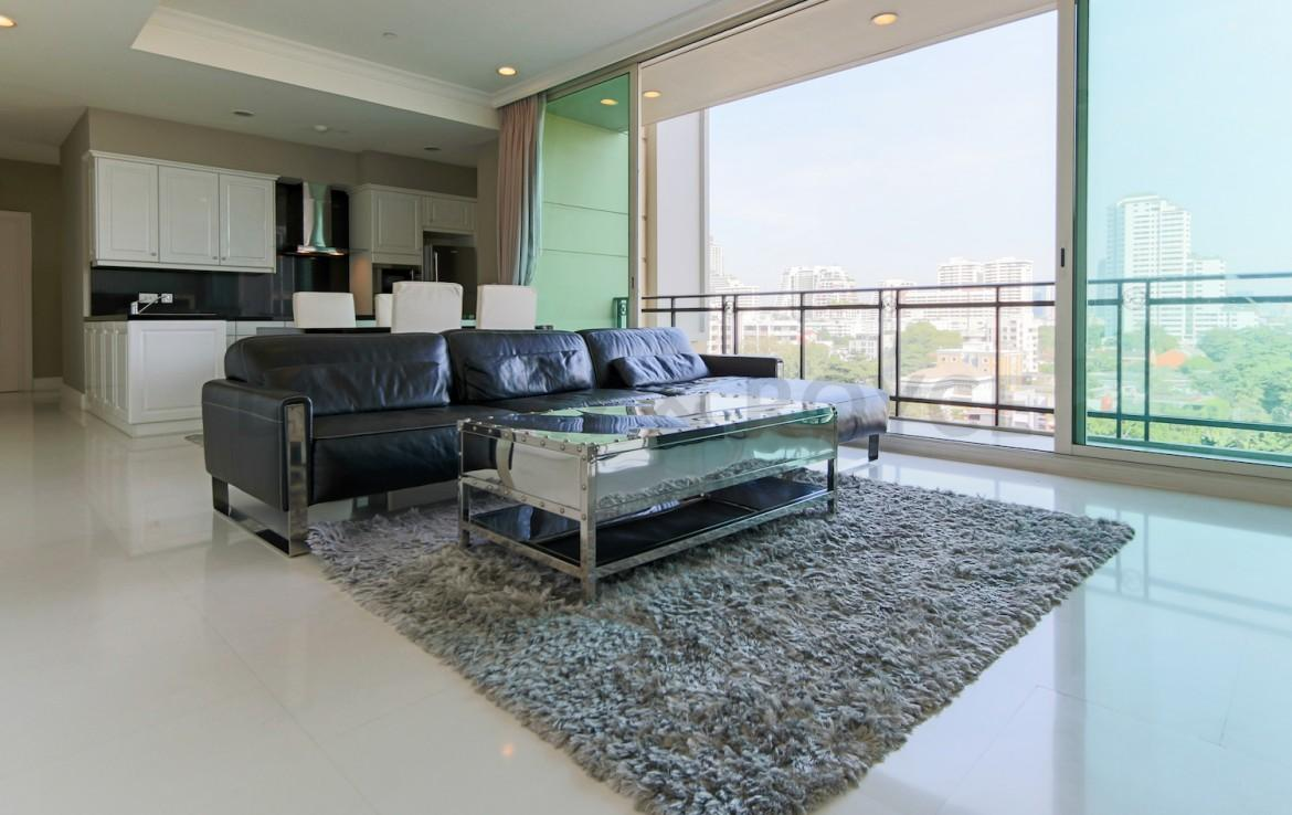 beautiful-two-bedroom-condo-for-rent-and-for-sale-in-phromphong