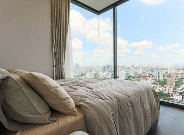 Immaculate Two Bedroom Condo for Rent in Thong Lor