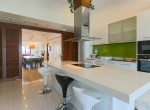 magnificent-five-bedroom-condo-for-rent-in-ekkamai-4
