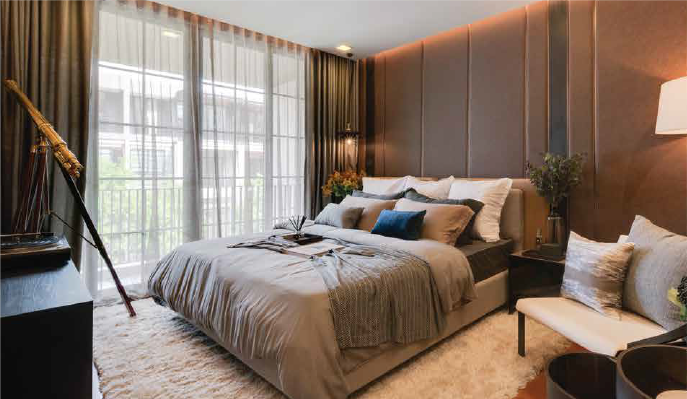 Prestigious Five Bedroom Townhouse for Sale in Phrom Phong