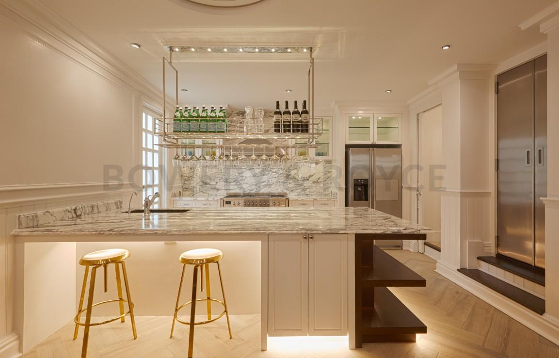 Luxurious Four Bedroom Townhouse for Sale in Thong Lor-1