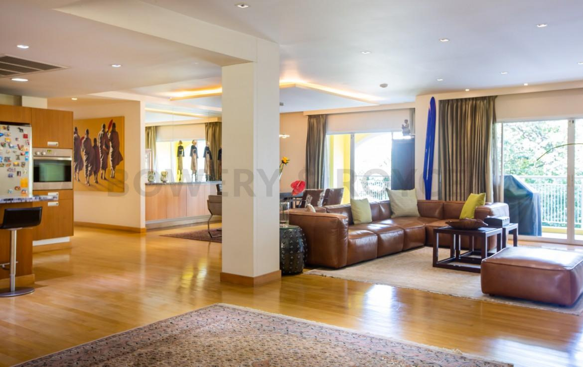 Spectacular four bedroom condo for sale in Thong lor