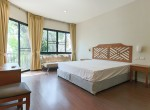Garden views Three Bedroom House for Rent in Thong Lor-12