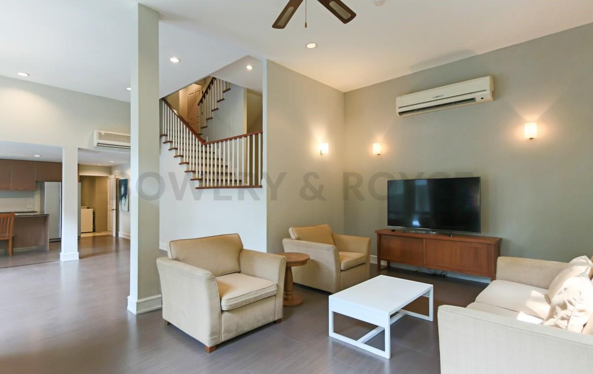Garden views Three Bedroom House for Rent in Thong Lor-1